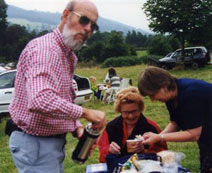 Dorothy Day & hosts picnic in Litchfield